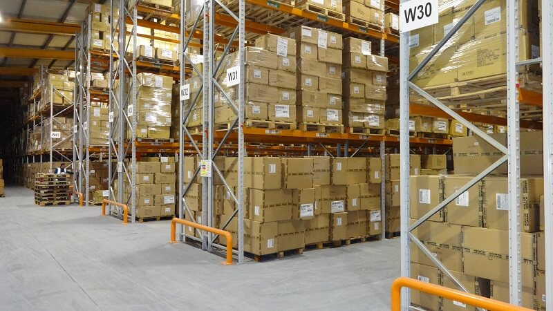 Pallet racking with end of ailse barriers