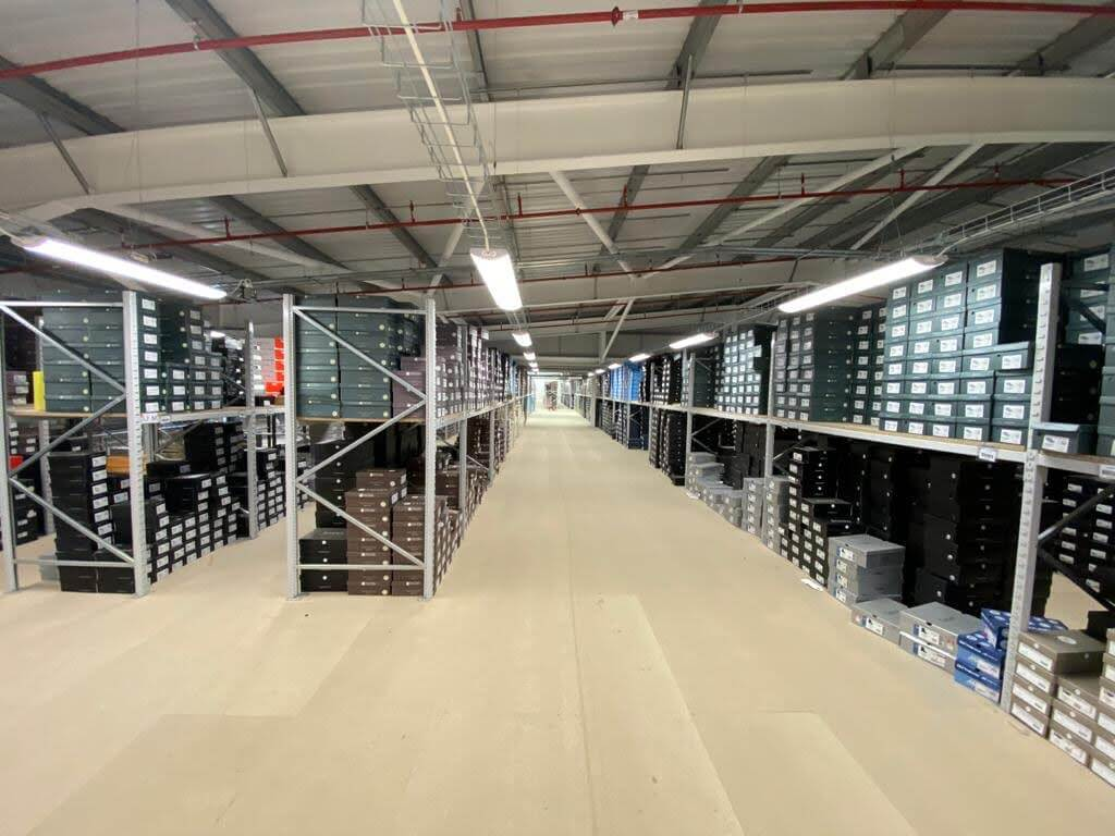 Long span shelving on mezzanine floor level at Pavers