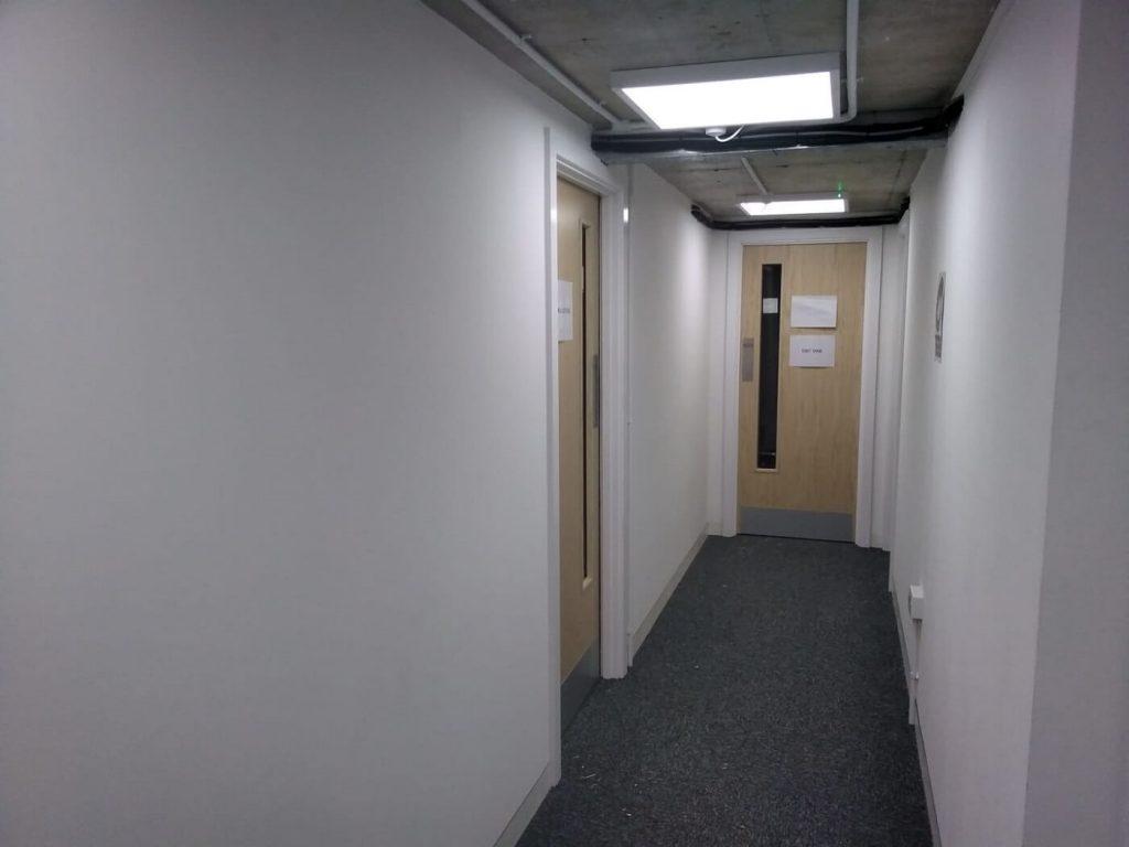 Office partitioning on mezzanine level